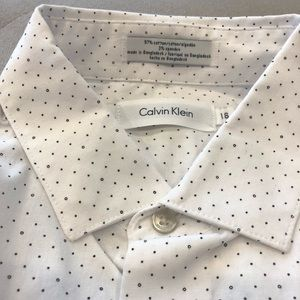 Calvin Klein Boys Button Down Shirt in Size 16
